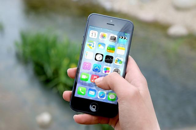 Nadmiar niepotrzebnych aplikacji w telefonie szkodzi