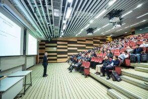 Jakie zalety płyną z zamawiania profesjonalnych prezentacji dla firmy?